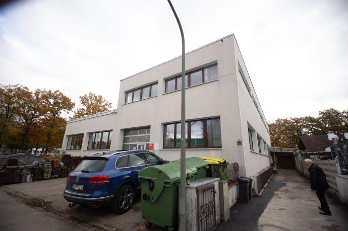 701,49 m2   OG LOFT Betriebsleiterwohnung und EG Gewerbe f. Handel - Kühlräume - Werkstatt - Büro und Lager