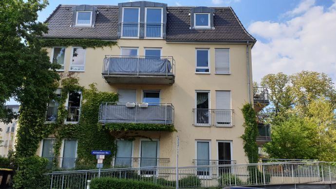 Da schau her! 2-Zimmer-Wohnung mit Balkon in Löbtau!