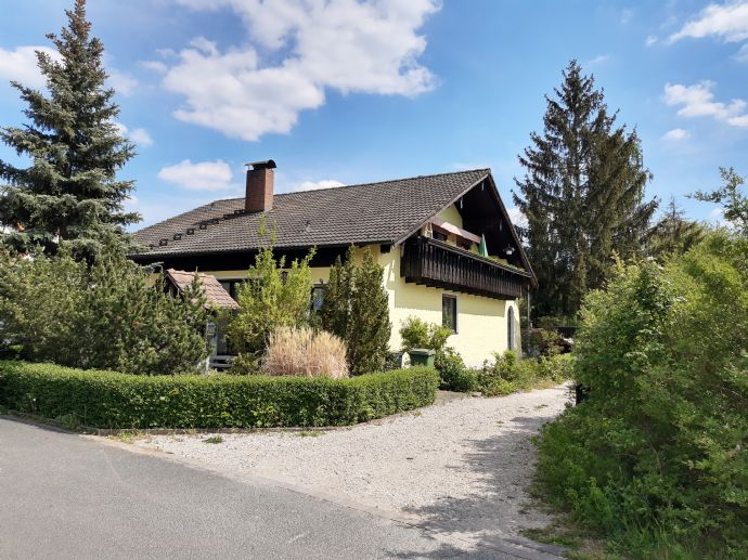 Mehrfamilienhaus in ruhiger Lage in Niederndorf