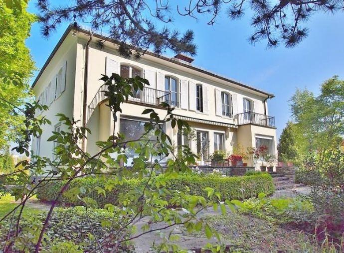 Herrschaftliche Villa mit parkartigem Grundstück - Gewerblich nutzbar!