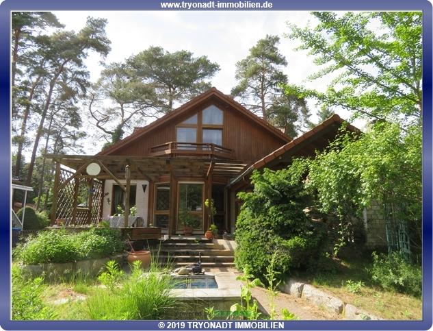 Großzügiges Einfamilienhaus in grüner Idylle