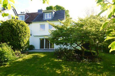 Zur Nutzung für 1 - 1,5 Jahre: Modernes Endreihenhaus mit schönem Garten ab sofort frei!