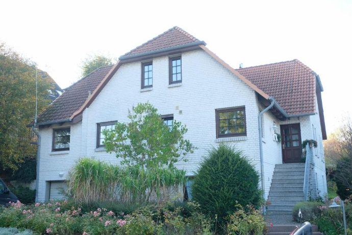 Wohnen direkt an der Ostsee! Mehrgenerationenhaus mit zwei Wohneinheiten und Gästewohnung in Heiligenhafen zu verkaufen