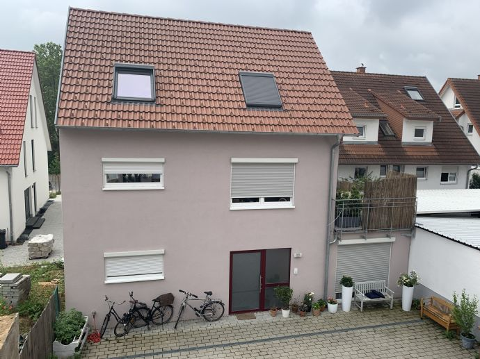 Exquisit leben: Haus mit 4,5-Zimmer mit Balkon in Walldorf