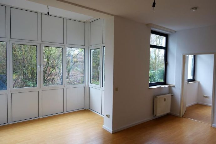 Witten-Bommern: Senioren-Wohnung, 44m², Wintergarten, barrierefrei mit Notruf