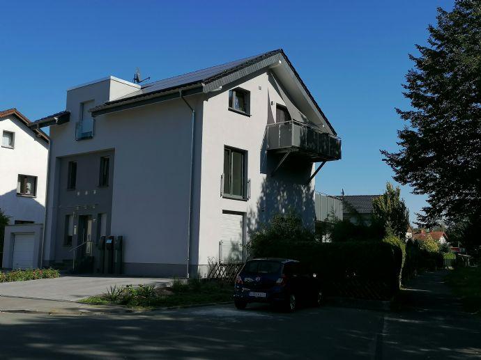 Neuwertige 3-Zimmer-Loft-Wohnung mit Dachterrasse in Paderborn, KfW55 Haus mit nachhaltiger Energiev