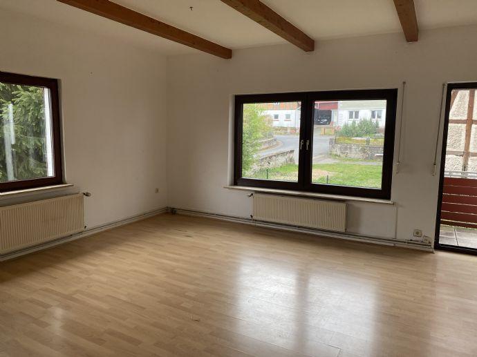 Gemütliche Wohnung - mit Balkon und Gartennutzung möglich!
