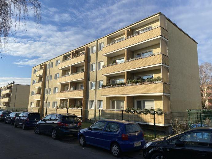 provisionsfrei !!!! vermietete 1-Zimmer Eigentumswohnung mit Balkon, ruhige Lage, 1.OG, teilsaniert