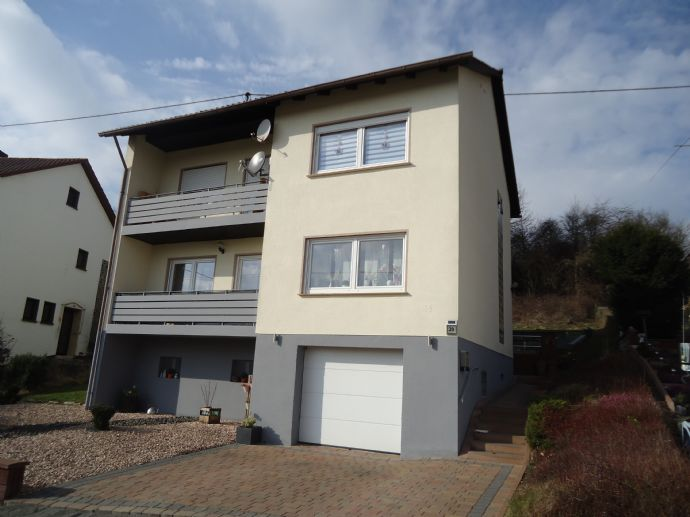 Ruhig gelegenes großzügiges Zweifamilienhaus mit gepflegtem Innenleben 1-2 Familienhaus