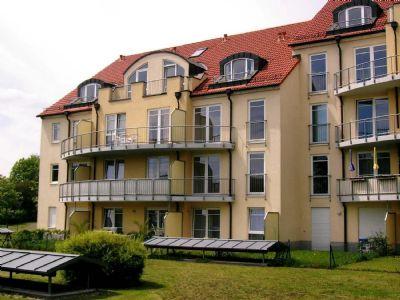 Kleine nette 1-Raum-Dachgeschoß-Neubauwohnung mit EBK, Balkon und Tiefgarage in Leutzsch