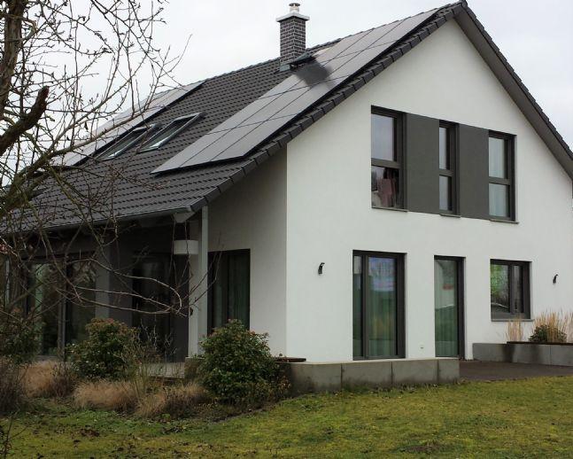 Gehoben, schick und modern: Einfamilienhaus mit Rest-Fertigstellungsarbeiten