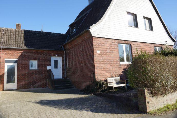= Holland Immocenter = Schöne Doppelhaushälfte in ruhiger Lage!