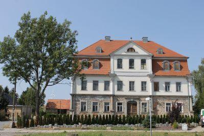 Herrenhausbesitzer gesucht