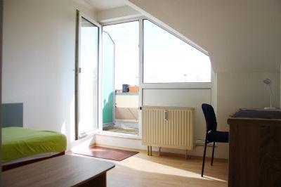 7,4% Rendite Möbliertes Apartment mit Balkon!
