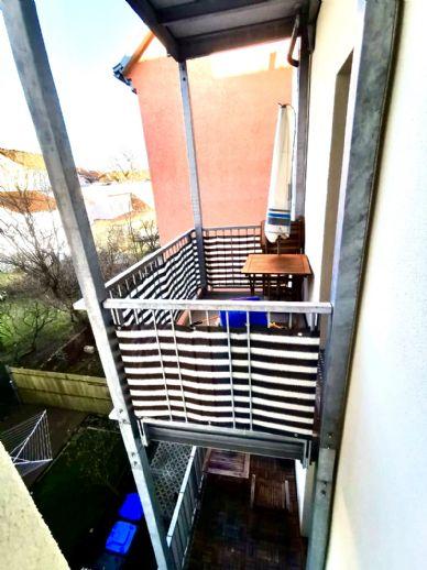 Hier wartet eine top Wohnung zum Wohlfühlen auf Sie - saniert & bezugsfertig mit EBK & Balkon mit Abendsonne