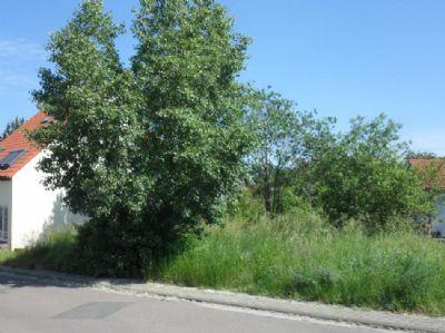 Grundstück für eine Doppelhaushälfte in Klinga