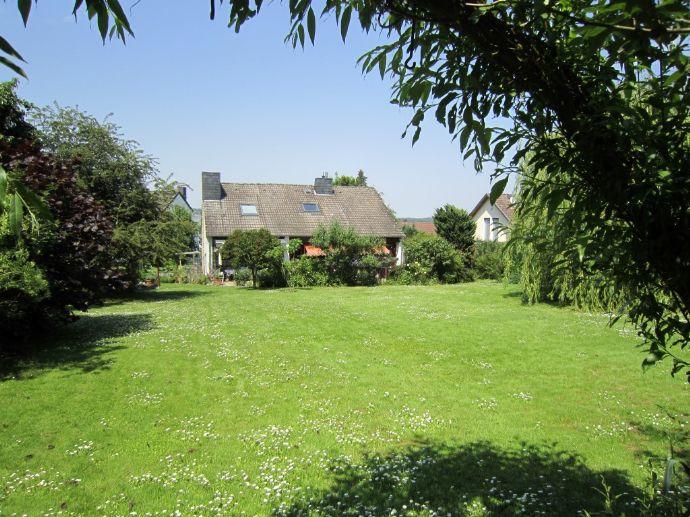 Einfamilienhaus auf wunderschönem Grundstück am Waldrand