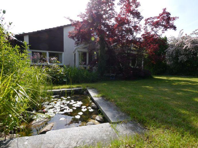 Freistehendes Einfamilienhaus in Mühlacker mit herrlichem Garten - Möglichkeit zur Doppelnutzung