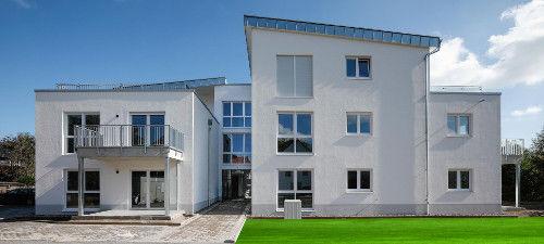 EG-Wohnung im Herzen von Elze, 2 Zi, Rollstuhlgerecht! mit Aufzug und Terrasse