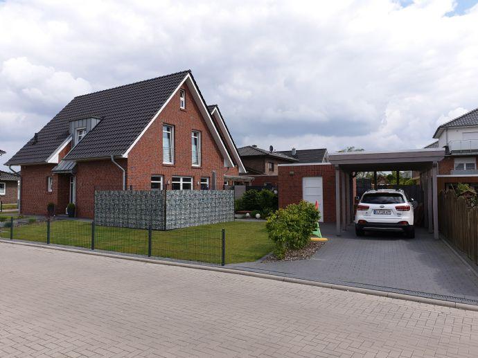 Doppelhaushälfte mit Garten und Carport in Friesoythe