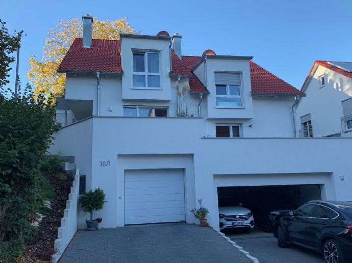So schön in Plattenhardt! Neuwertiges solides Wohnen in einem modernen Doppelhaus mit Top-Einbauküche!