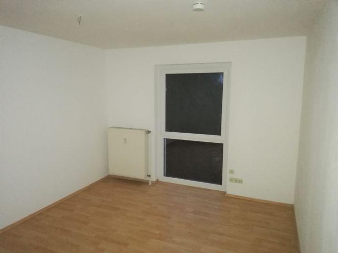 **schöne 1-Zimmer-Wohnung in zentraler Lage**