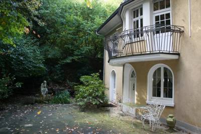 Luxuriöse Villa mit Park