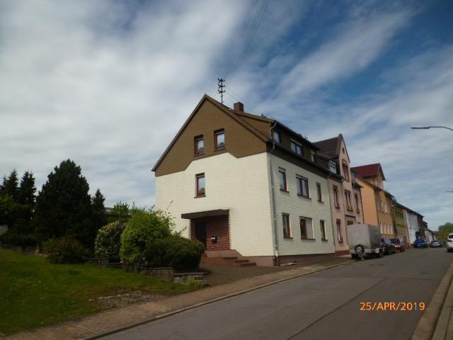 Wannemacher Immobilien ****RESERVIERT****Geräumiges Einfamilienhaus für die große Familie mit viel Potential in Sulzbach-Hühnerfeld ****