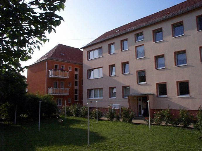 Bezugsfertig sanierte 3-Raum-Wohnung Nähe Stadtzentrum