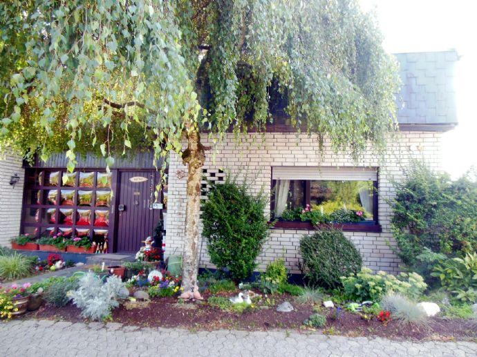 Hochwertiges, top gepflegtes Einfamilienhaus mit Einliegerwohnung in bevorzugter Wohnlage in Kaisersesch, Landkreis Cochem- Zell