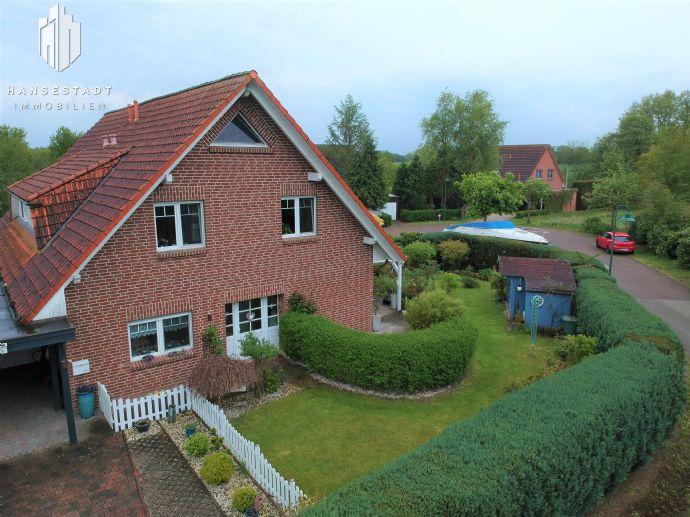 *Für die Familie* Liebevoll gepflegte Doppelhaushälfte mit Terrasse, Garten & Carport