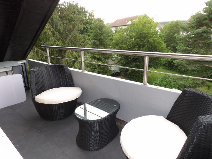 Reserviert! 3 Zimmer Balkon, Stellplatz und Kellerraum in Engen am Ballenberg