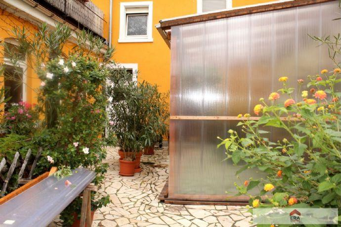 Mehrfamilienhaus in Mannheim zu verkaufen.