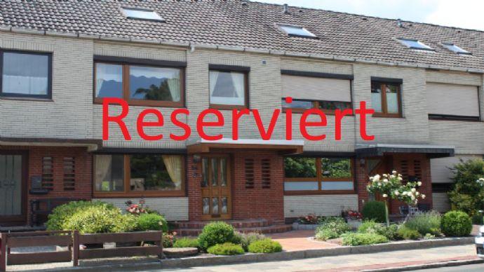Die Lage ist entscheidend ... Gepflegtes Reihenmittelhaus in der Nähe des Speckenbütteler Parks