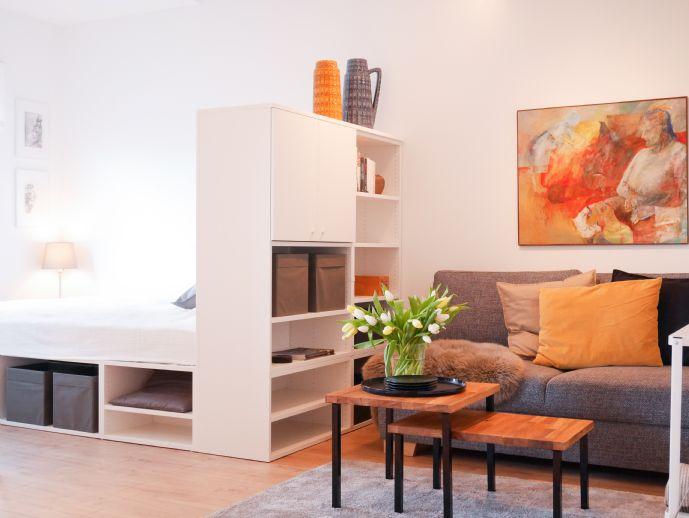 Modernes voll möbliertes Apartment im Herzen von Alt-Saarbrücken, zwei Gehminuten zur HTW, Neue Küche inkl Waschmaschine, Erstbezug n. Renovierung