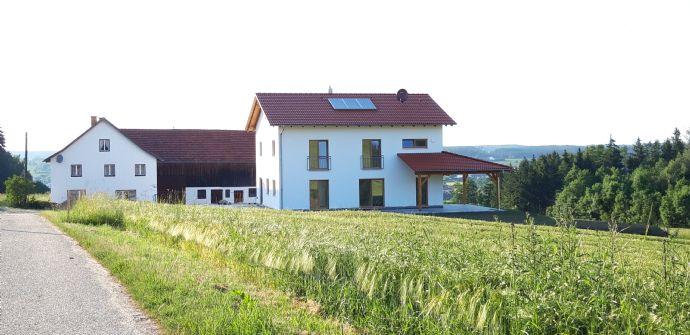 Alleinstehendes Einfamilienhaus (Bj. 2019) mit großem Garten und Blick auf Gerzen