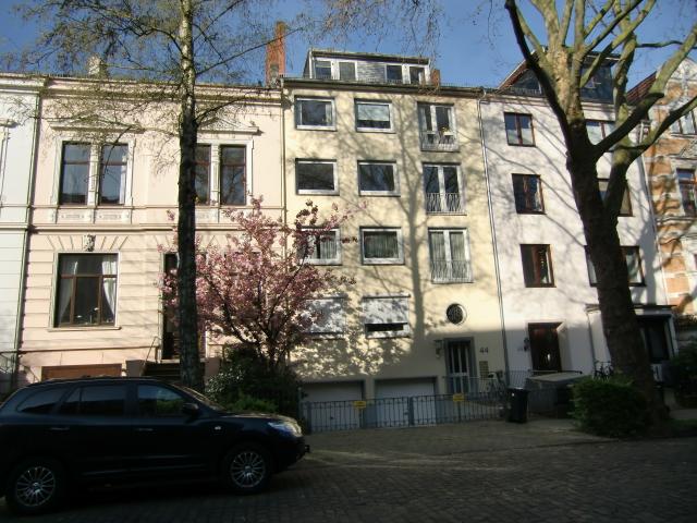Traumlage: Große Wohnung mit Südbalkon.
