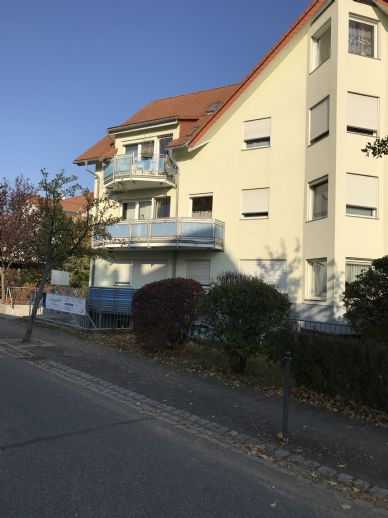 Schöne, helle 3 Zimmerwohnung mit Balkon in Kesselsdorf zu vermieten !