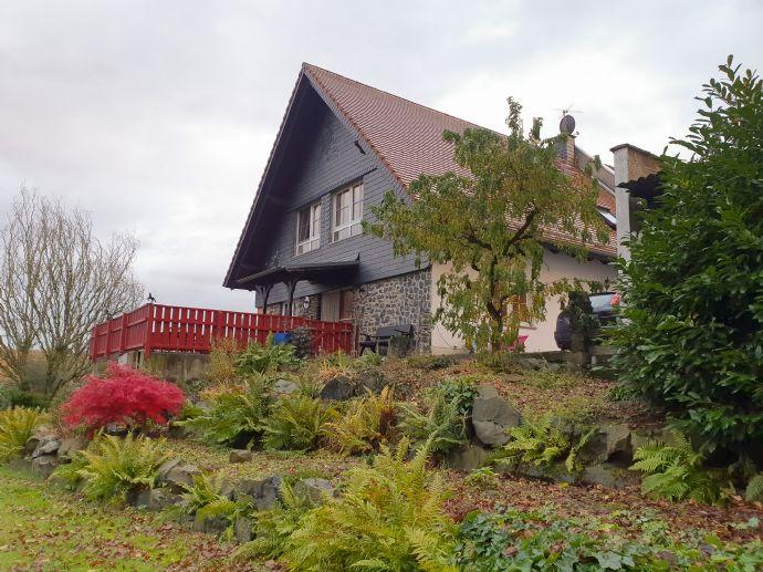Stilvolles, wunderschön ausgestattetes Einfamilienhaus an einem Reiterhof