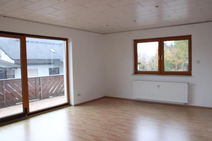 4-Zimmer-Wohnung im 2 OG in