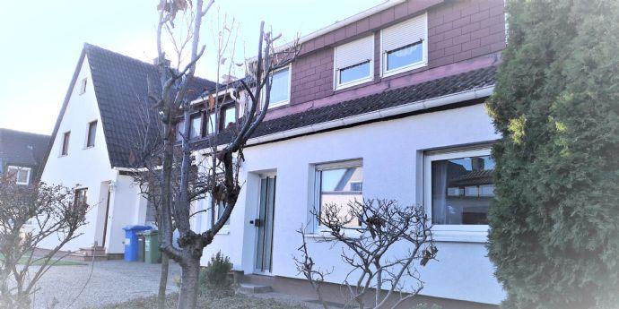2 Doppelhaushälften für 2 Familien auf einem Grundstück mit 620 m² in Alterlangen