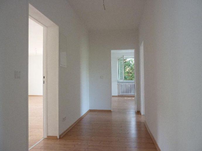 ***Geräumige Wohnung mit Balkon, sofort einziehen und wohlfühlen!***