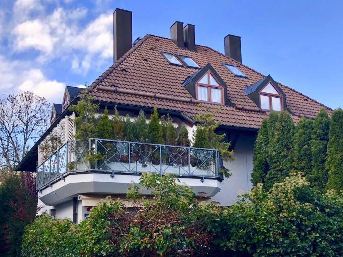 Reserviert: Familienglück - Modernes Quattrohaus mit schön angelegtem Garten in bester, ruhiger Lage Harlaching