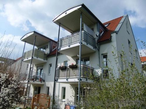 helle 2 Zimmer-Wohnung mit Balkon in ruhigem Wohnareal
