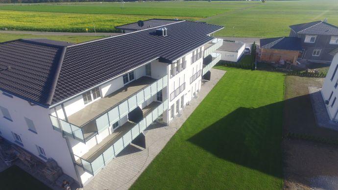 Traumhaft schön!  EG 3-Zi.-Terrassenwohnung in Kirchdorf an der Iller - Oberopfingen
