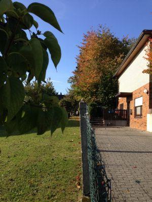 Zweifamilienhaus gegen Gebot zu verkaufen
