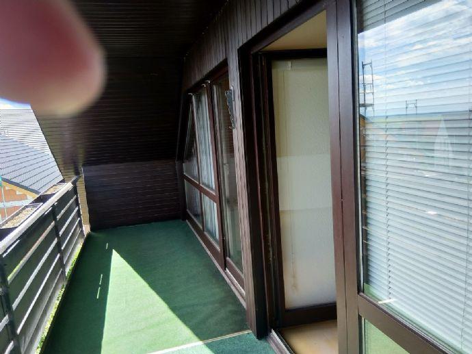 3-Zimmer-Dachgeschoßwohnung mit EBK in Gleisweiler