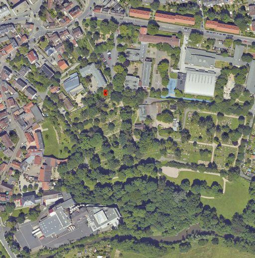 Sonniges Grundstück in Sackgasse mit viel Grün und perfekter Ausrichtung