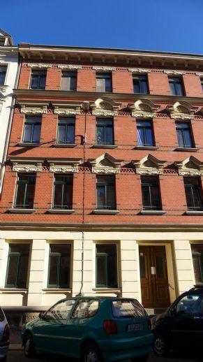 Wunderschöne 2 RWE mit Balkon