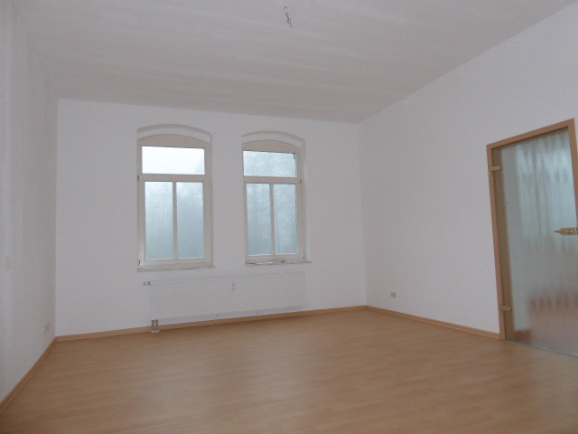 Helle und freundliche 2-Zimmer-Wohnung mit Wintergarten in zentraler Wohnlage von Rudolstadt